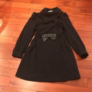 👗black coat with faux leather bow belt